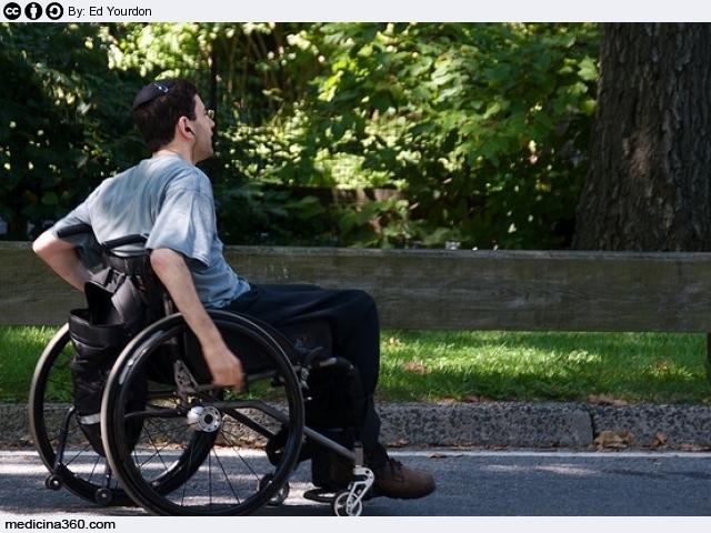 Distrofia muscolare: sintomi iniziali, diagnosi, cure e ricerca