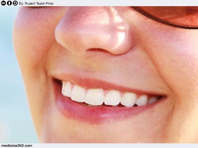 Sbiancamento dei denti fai da te o dal dentista pro e - Immagini dei denti da colorare ...
